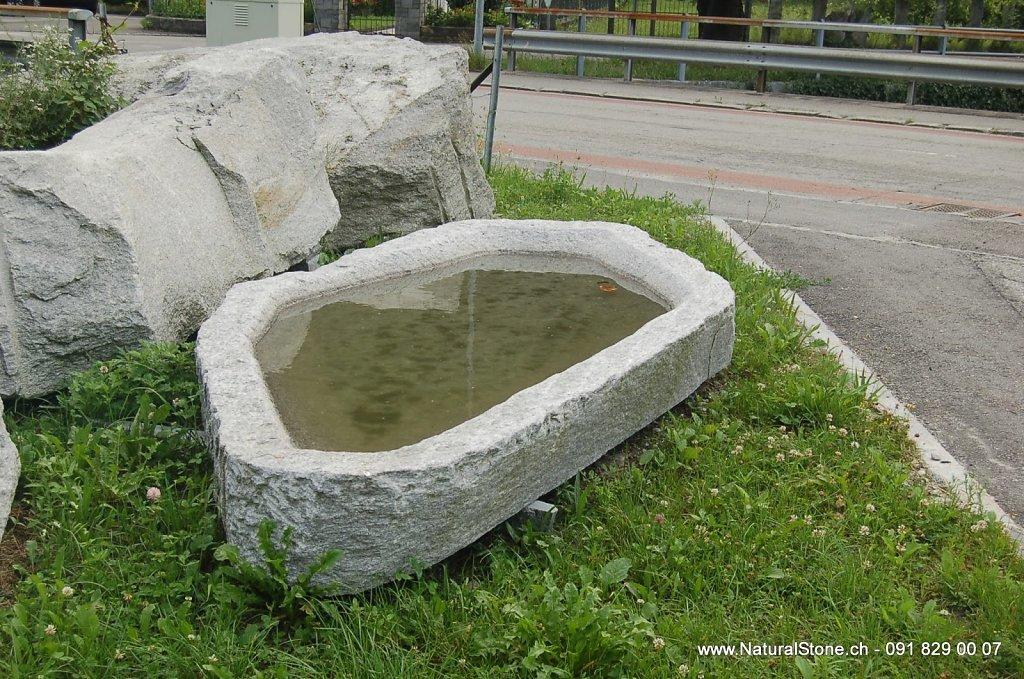06 Brunnen aus Naturstein