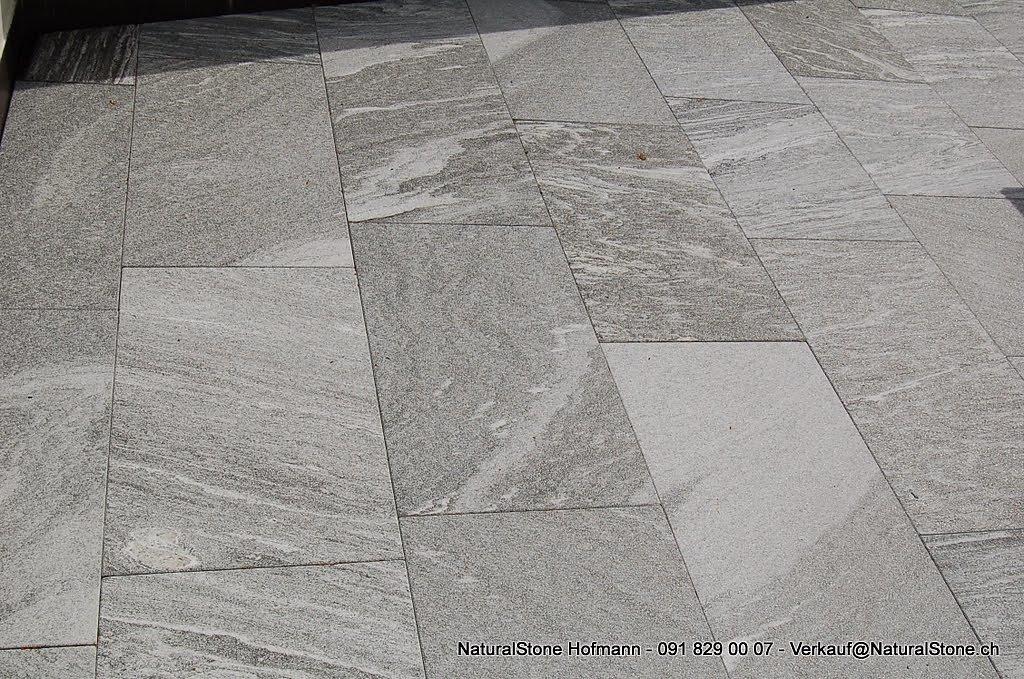 DSC-0642-Bodenplatten-Tessiner-Gneis-dunkel.jpg